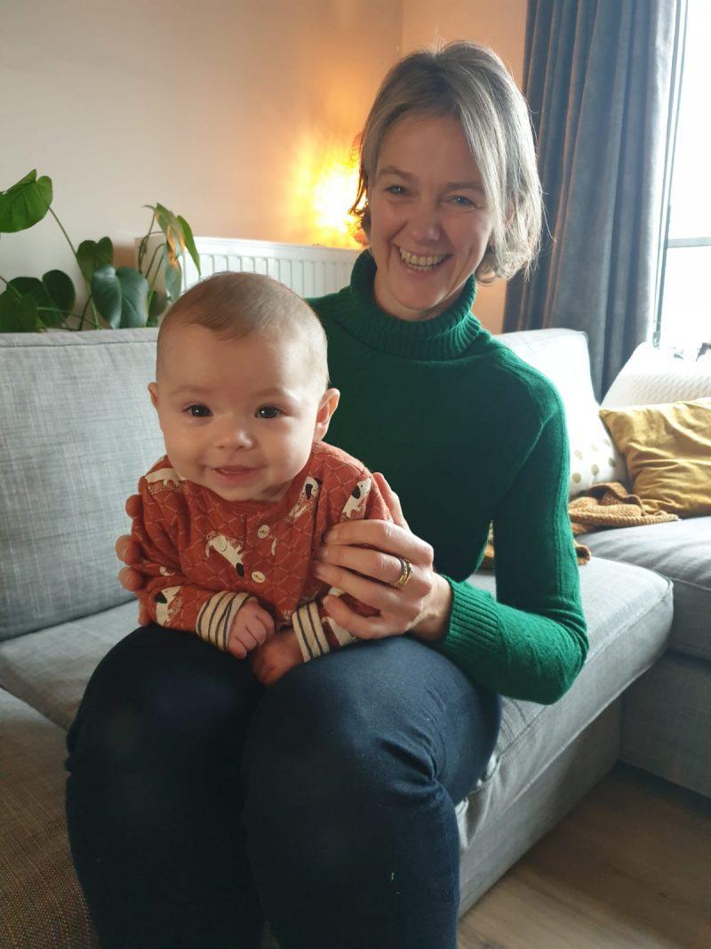 Babyfysiotherapie Kinderfysiotherapie Breda Ginneken buiklig voorkeurshouding